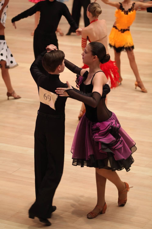 Фото платьев для спортивных бальных танцев 3